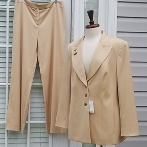 New Escada Suit Blazer Women's Cream Pant Set 44
